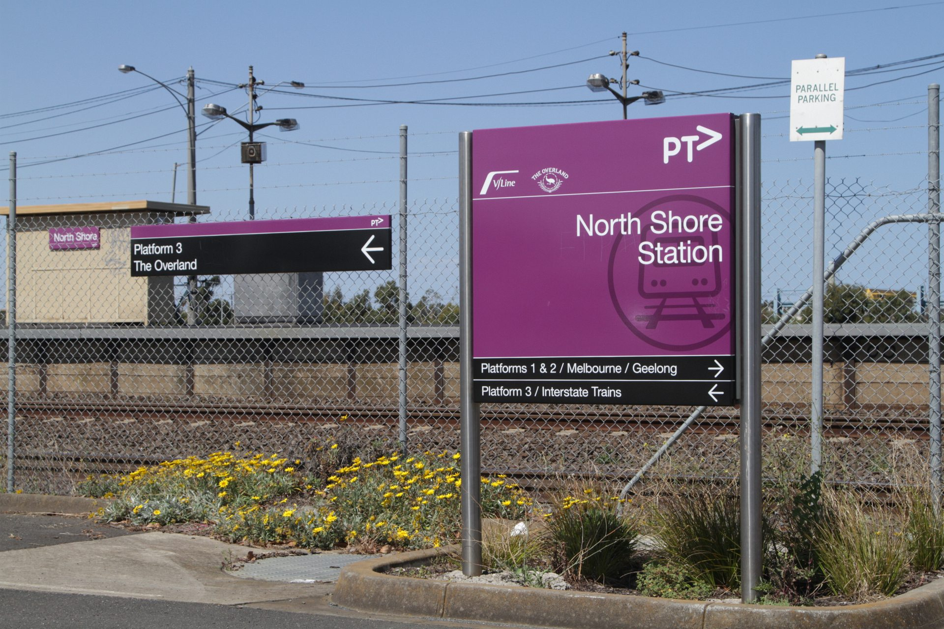 Rail Geelong Gallery Ptv Signage At The Entrance To The Station Car Park