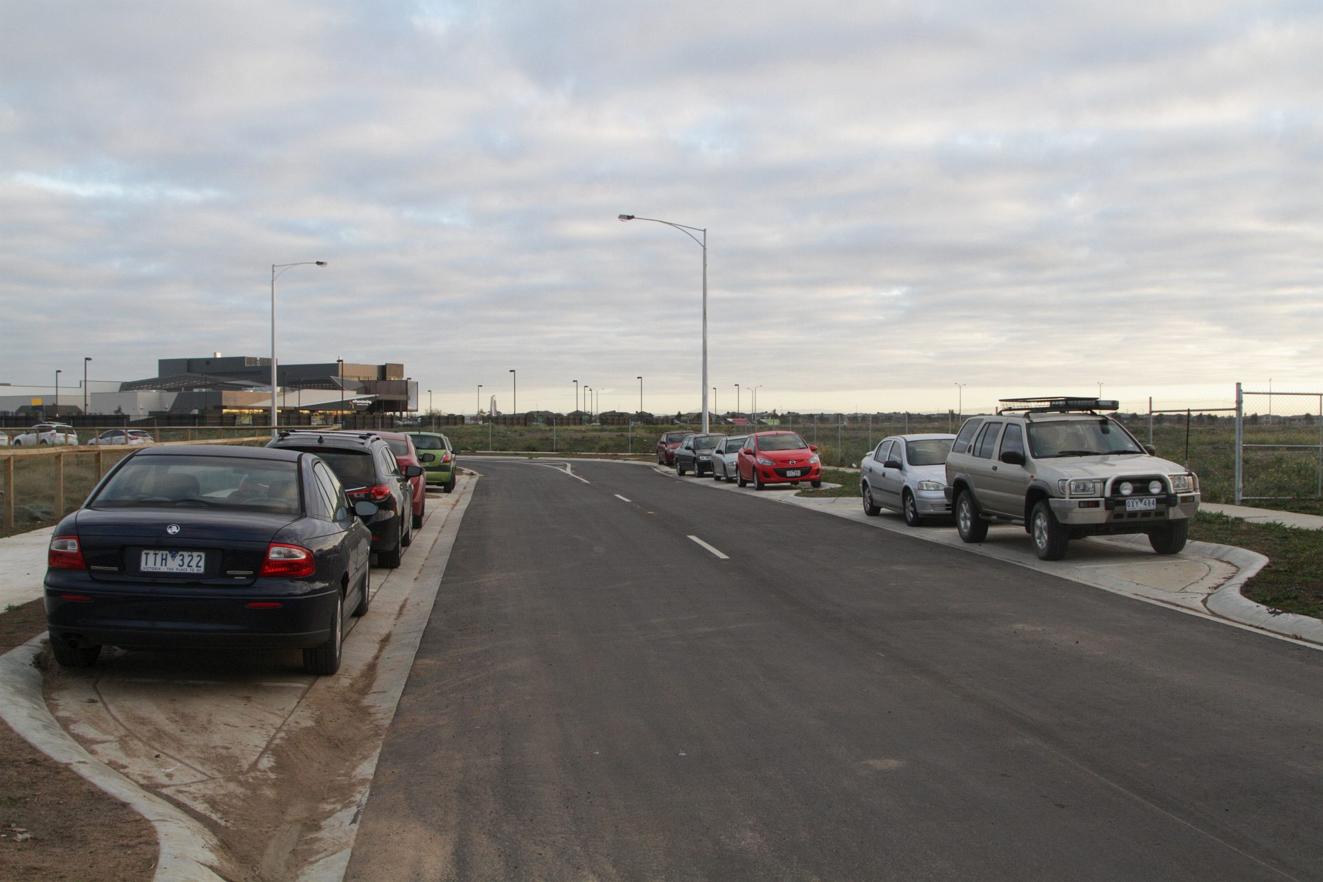 Rail Geelong Gallery Car Parking On Streets To Nowhere North Of Williams Landing Station