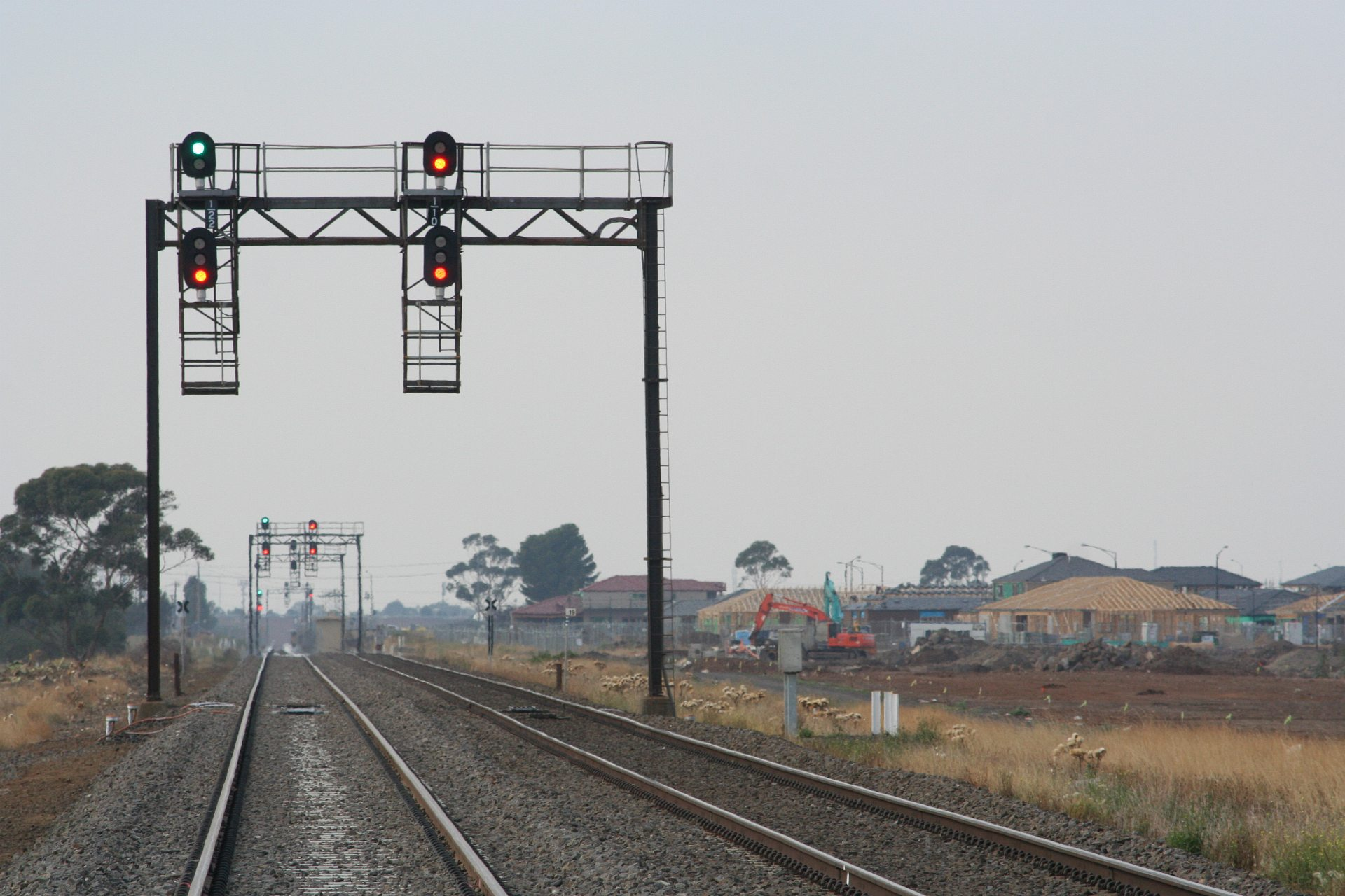Rail Geelong Gallery Signals 1 22 And 1 10 For Up Trains Approaching Deer Park