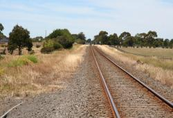 Looking up the line from Alvie Junction back towards Colac