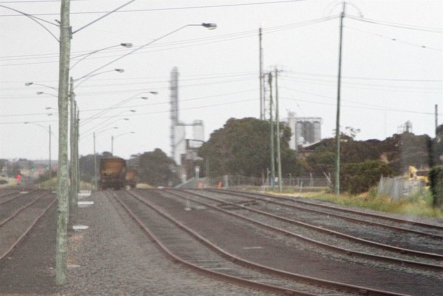Crossover between North Shore track 'A' and 'B' removed after gauge conversion of the southern track