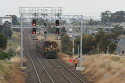 Geelong line ballast: Departing North Geelong