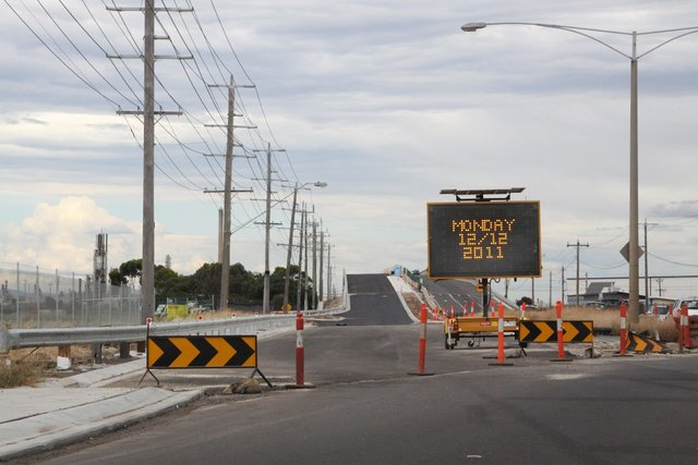 New eastbound bridge to reopen on December 12?