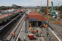 Laverton Rail Upgrade project: Pouring concrete on platform 2/3