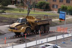 Laverton Rail Upgrade project: Empty dump tracks heads back to the stockpile