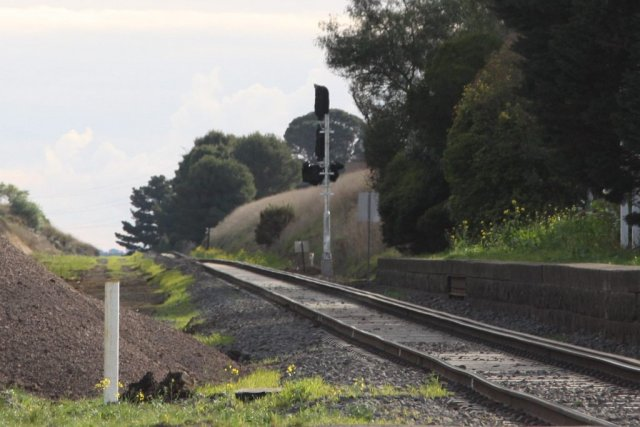 New signal for up trains approaching the start of the double track at Moorabool
