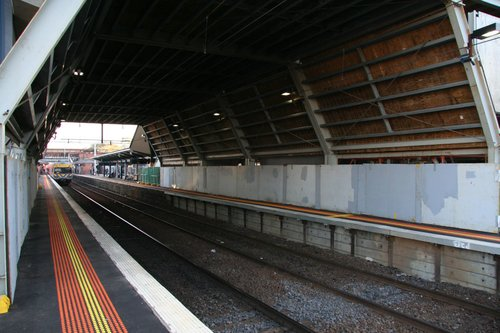 Temporary scaffold over platform 3/4