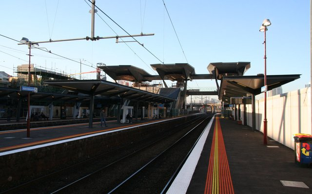 Hoardings over platforms 5/6 removed