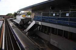 Temporary railings on the access to platform 1