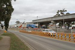 Werribee Street level crossing removal project: One span to go on the southern broad gauge track