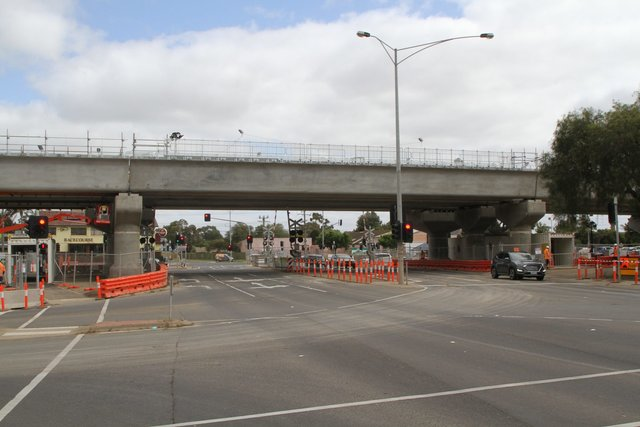 Three single track bridges in place across Werribee Street