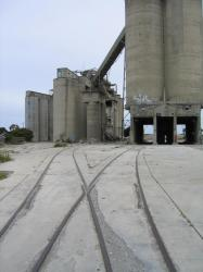 Looking towards the silos from McCurdy Road