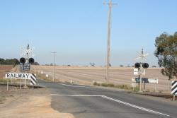 Geelong-Ballan Road level crossing