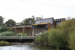 Barwon River bridge, looking up the line