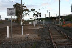Signage and signal at the mainline end