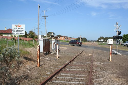 Drummond Street LX looking back to Warrnambool