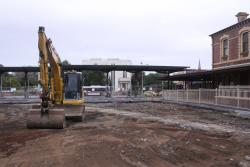 Geelong Station: Digging up the former roundabout in the forecourt