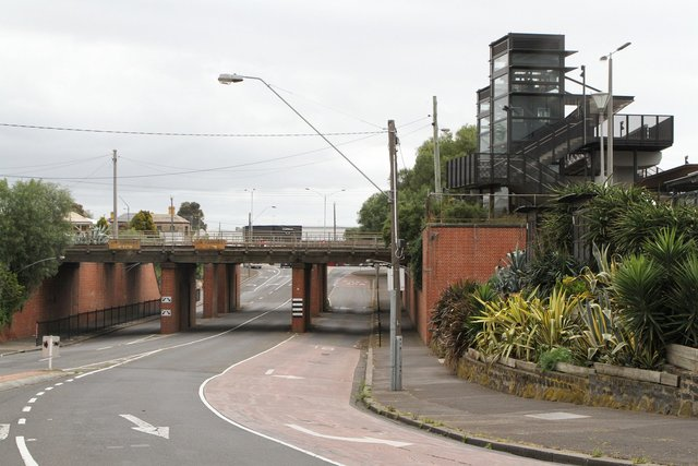 New pedestrian bridge towers over the Gordon Avenue underpass