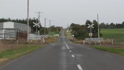 Warrowie Road level crossing