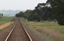 West from Warrowie Road level crossing