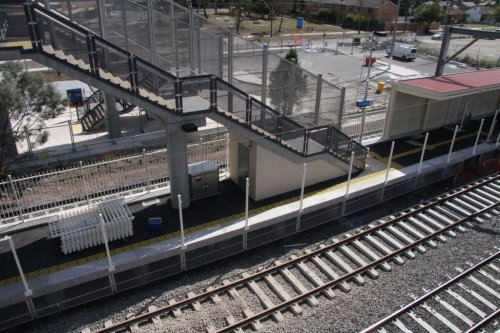 Fence along platform 1 removed because it was out of gauge