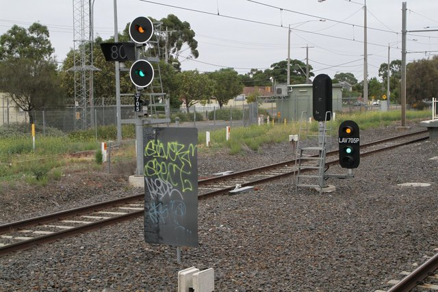 Signals LAV705 and LAV705P for down trains at Laverton