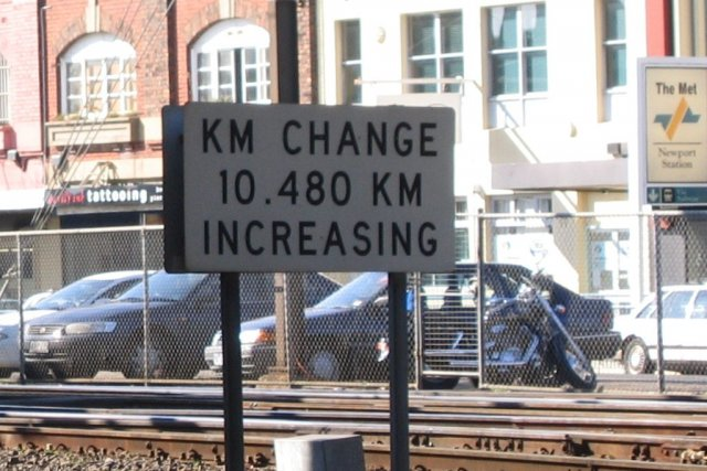Track distance change sign at Newport on the SG line, up direction