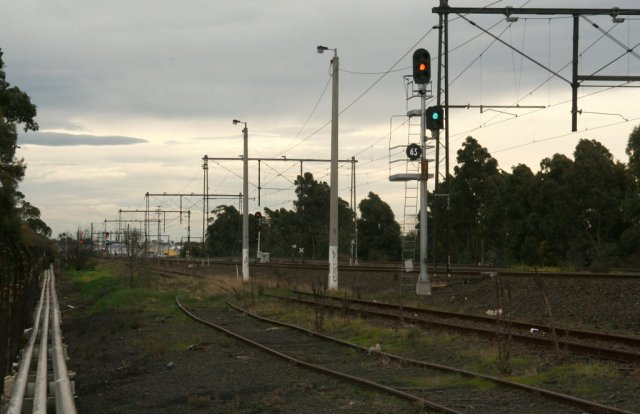 Twin sidings 'E' merge into one at the down end, before rejoining the main line