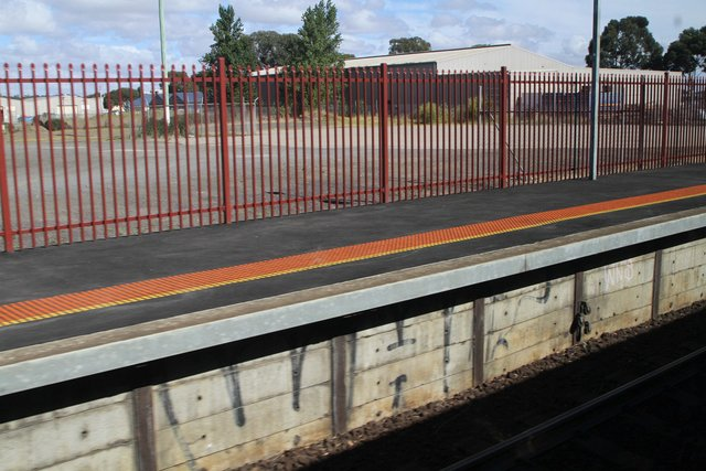Resurfaced and widens up end of platform 1