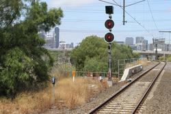 North Melbourne Junction: Signal KEN598 for up trains approaching Spion Kop