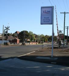 Yarra Street level crossing