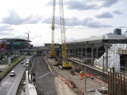 Southern Cross: Two mobile cranes for building the deck over future platform 15/16