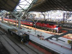 Southern Cross: Work continues on platform 7/8