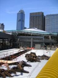 Southern Cross: Collins Street concourse deck continues west