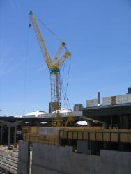 Southern Cross: Deck over platform 15/16 continues