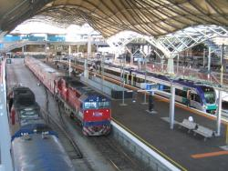 Southern Cross: Trains in platform 5/6