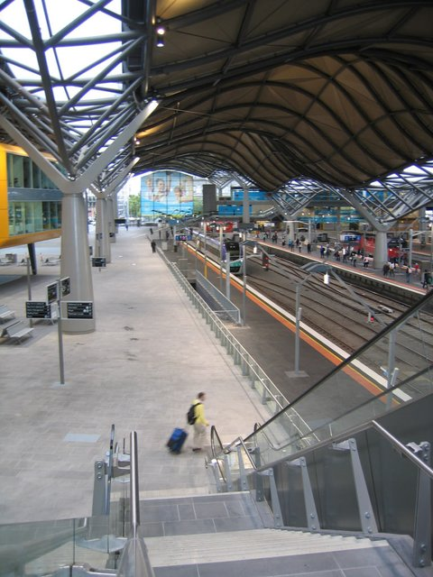 Main concourse looking south along Spencer Street