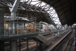 Southern Cross: Temporary scaffolding above platform 3/4 pending roof repairs