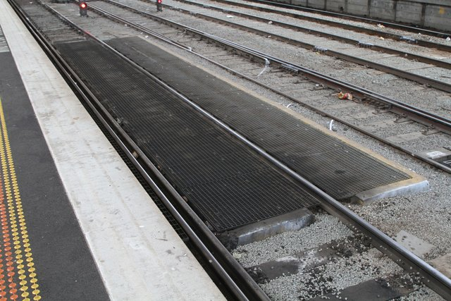 Fuel point at the southern end of Southern Cross platform 2