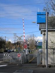 Spotswood: Hudson Street level crossing