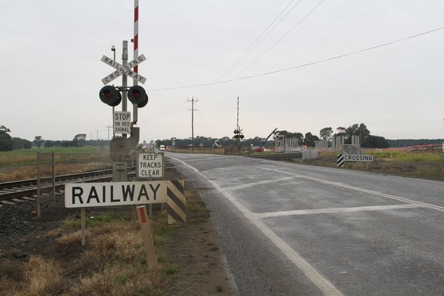 Princes Highway level crossing still in use for now