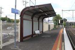 Heritage styled shelter at the city end of platform 1