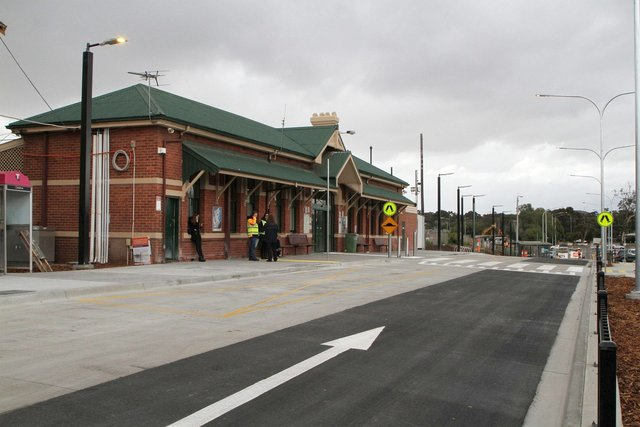 New bus interchange in the station forecourt