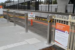 Additional Myki readers at the entrance to the current platform