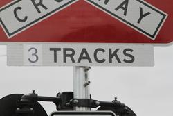 Bacchus Marsh: '3' tracks hastily added at the Parwan Road level crossing