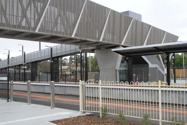 New footbridge in place over the station