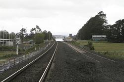 Ballan: Double track up the line from Old Geelong Road