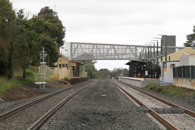 Double track through the station from Cowie Street