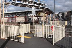 Automatic pedestrian gates at the Lydiard Street level crossing