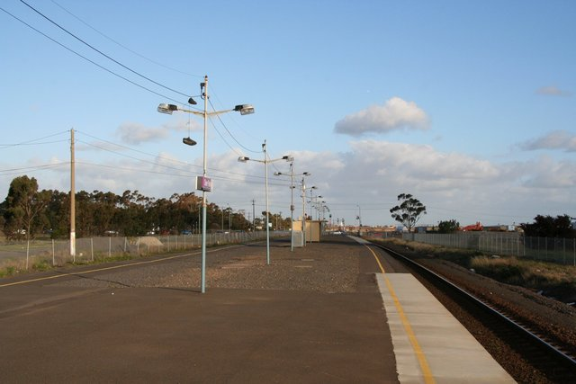 Gravel covered platform at Deer Park